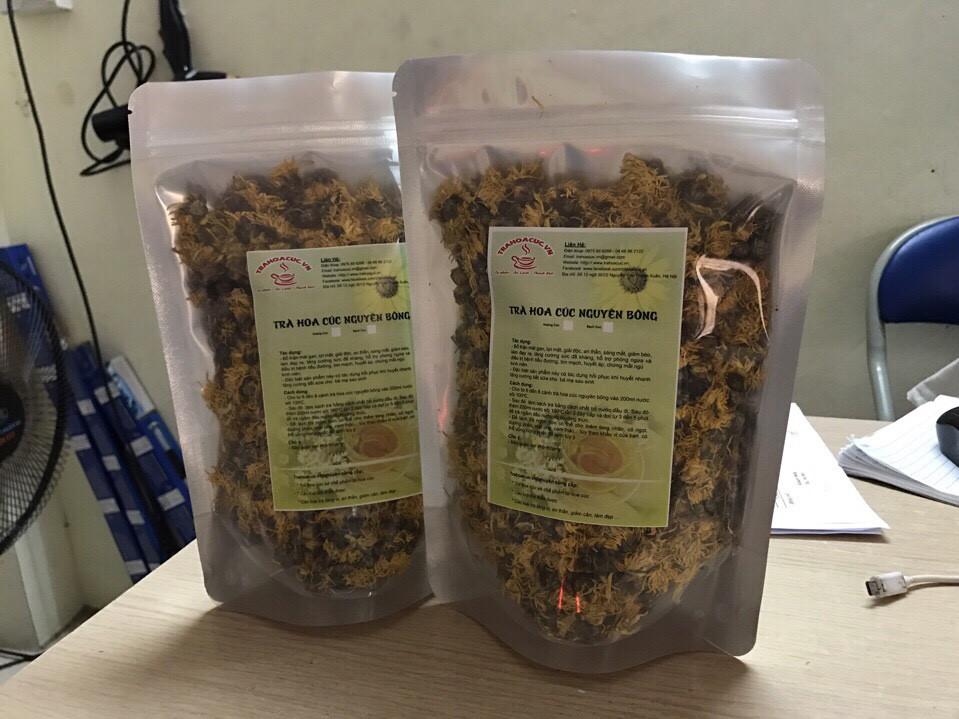 Trà Hoa Cúc Khô Nguyên Bông Thiên Bằng được đóng gói 100gram 1 túi Zipper Đáy Đứng.